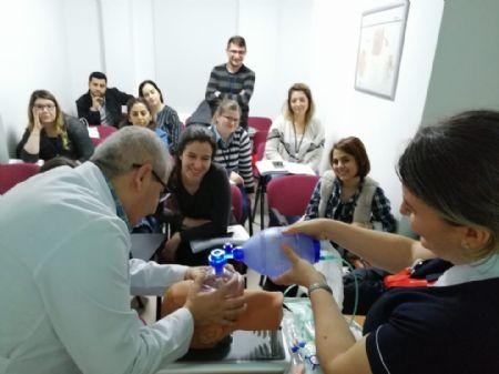 Yoğun Bakım Hemşireliği Sertifikalı Eğitim Programı Başarıyla Tamamlandı